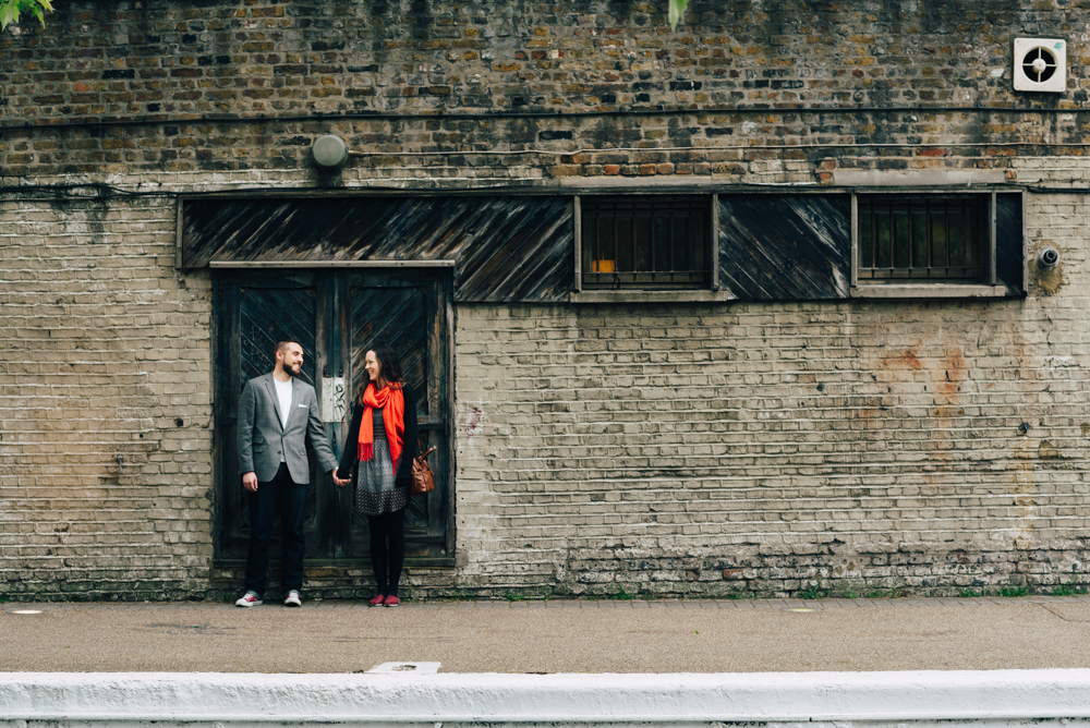 london couple engagement shoot