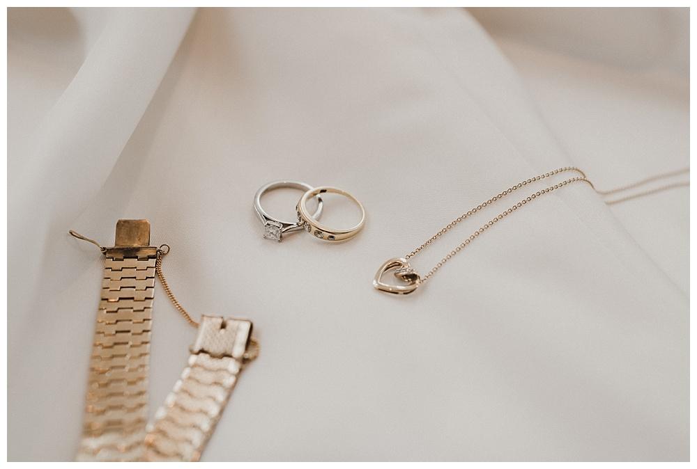 Stunning wedding day jewellery.